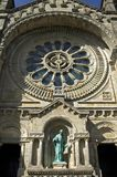 Finestra di Rosa della chiesa Viana do Castelo di Santa Luzia immagini stock