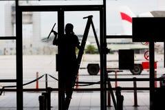 finestra di superficie di vetro del fuoco di pulizia immagini stock libere da diritti