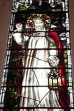 Finestra di vetro macchiata della chiesa Fotografie Stock Libere da Diritti