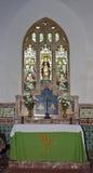 Finestra di vetro macchiato & dell'altare Immagini Stock Libere da Diritti