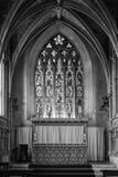 Finestra di vetro macchiato e signora più anziana Chapel dell'altare a Bristol Cath Fotografia Stock