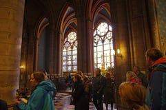 Finestra di vetro macchiato Notre Dame fotografia stock