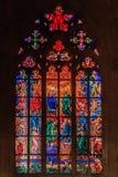 Finestra di vetro macchiato in st Vitus Cathedral a Praga Immagini Stock Libere da Diritti