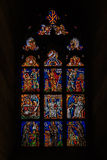 Finestra di vetro macchiato in st Vitus Cathedral a Praga Immagine Stock Libera da Diritti