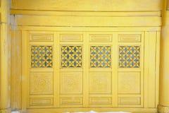 Finestra dorata del tempiale a MT.Emei Fotografia Stock Libera da Diritti