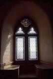 Finestra nell'interiore del castello Fotografia Stock Libera da Diritti
