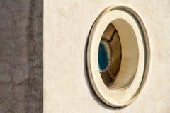 Finestra ovale fotografie stock libere da diritti