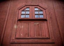 Finestra rossa del granaio Immagine Stock Libera da Diritti