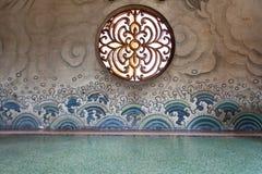 Finestra rotonda sulla parete Immagini Stock Libere da Diritti