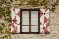 Finestra sanguinata del castello Fotografie Stock Libere da Diritti