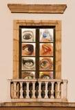 Finestra spagnola moderna con la decorazione degli occhi immagini stock