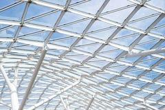 Finestra trasparente del tetto del soffitto della costruzione di vetro d'acciaio della parete Immagini Stock