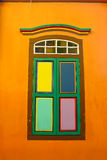 Finestra variopinta alla poca India, Singapore Immagini Stock