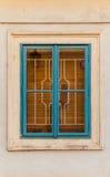 Finestra variopinta su vecchia costruzione a Praga Fotografie Stock Libere da Diritti