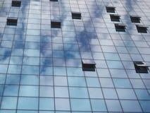Finestre aperte ed il cielo Fotografie Stock Libere da Diritti