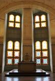 Finestre colorate in una chiesa Fotografia Stock Libera da Diritti