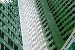 Finestre dei grattacieli da una vista di angolo basso Immagine Stock Libera da Diritti