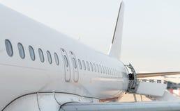 Finestre dell'aereo di linea fotografie stock libere da diritti