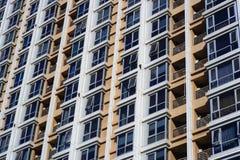 finestre della costruzione Immagine Stock