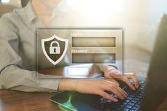 Finestre di Access con la connessione e la parola d'ordine Cybersecurity e concetto di protezione dei dati sullo schermo virtuale immagini stock