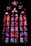 Finestre di vetro macchiato della st Vitus a Praga, repubblica Ceca. Fotografia Stock Libera da Diritti