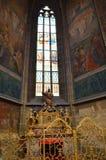 Finestre di vetro macchiato nella cattedrale di Praga Immagine Stock Libera da Diritti