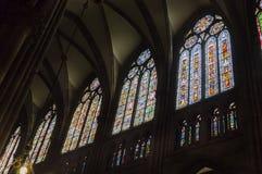 Finestre di vetro macchiato nella cattedrale di Strasburgo Immagine Stock Libera da Diritti