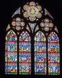 Finestre di vetro macchiato nella cattedrale di Strasburgo Fotografia Stock Libera da Diritti