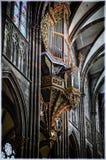 Finestre di vetro macchiato nella cattedrale di Strasburgo Immagini Stock