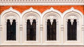 Finestre principali della facciata della cattedrale di StAlexandr Nevski Fotografia Stock Libera da Diritti