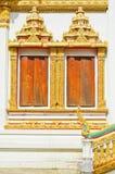 Finestre tailandesi di stile del tempiale in Khon Kaen Tailandia Immagine Stock