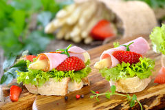 Finger food with asparagus Royalty Free Stock Photos