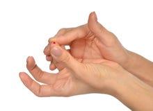 Finger paciente de la diabetes para hacer glucosa el análisis de sangre llano Fotografía de archivo