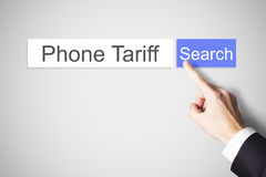 Finger que empuja tarifa del teléfono del botón de la búsqueda del web imagen de archivo
