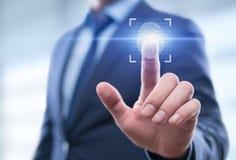 Fingeravtryckbildläsningen ger säkerhetstillträde med biometricsID royaltyfria foton
