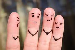 Fingerkunst von Leuten Das Konzept eines Mannes schilt von den Leuten, und sie stören stockbilder