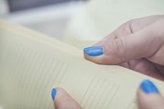 Fingers Leaf diary Royalty Free Stock Images