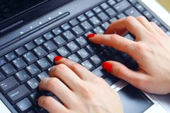 Fingers typing Royalty Free Stock Photos