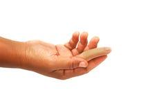 fingret ger den prosthetic kvinnan Arkivbild