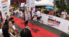Fini de chemin de passage de marathon d'Ironman Philippines Photo libre de droits