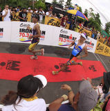 Fini de chemin de passage de marathon d'Ironman Philippines Photos stock