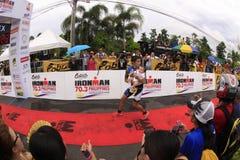 Fini de chemin de passage de marathon d'Ironman Philippines Images libres de droits