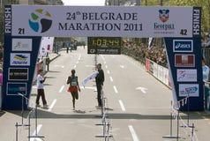 Fini de demi de marathon pour l'homme Images libres de droits