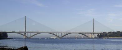 Finistere, Brest: Ansicht der Plougastel Brücke lizenzfreie stockfotografie