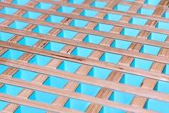 Finition intérieure décorative en bois vive photo libre de droits