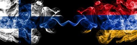 Finland finska, Armenien, tjocka f?rgrika r?kiga flaggor f?r armenisk konkurrens Europeiska fotbollkvalifikationlekar royaltyfri illustrationer