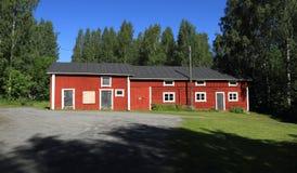 Finland Savonia/Kuopio: Finlandssvensk arkitektur - historisk lantgård/ladugård (1860) Royaltyfri Fotografi