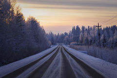 Finlandia: Estrada no inverno Imagens de Stock