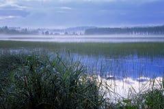 Finlandia: Noite azul fotos de stock royalty free