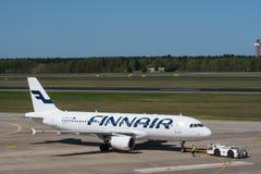 Finnair Airbus A320 à l'aéroport de Berlin Tegel Image libre de droits